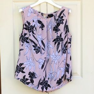 Worthington sleeveless crew neck blouse, pink M.